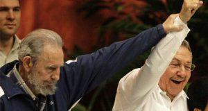 فيدل كاسترو وراؤول كاسترو (صورة من الارشيف)